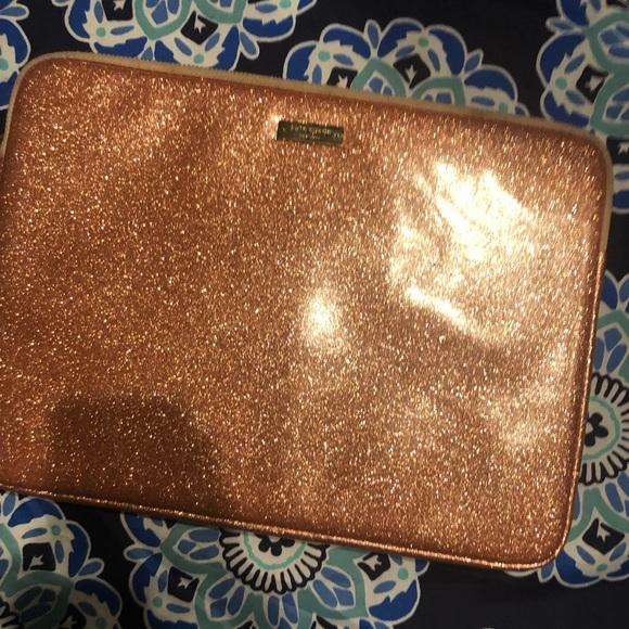 kate spade Accessories - Gorge!Kate Spade Glitterati Rose Gold Lap Top Case